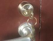 玄関ドア シリンダー(カギ穴)交換で防犯性能アップ!